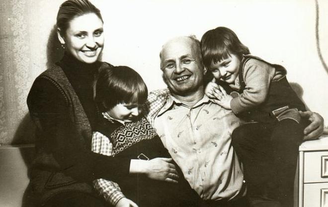 Аскольд Запашный с родителями и братом