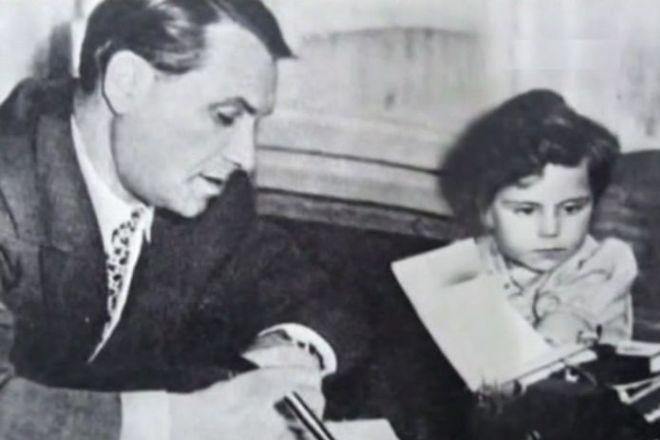 Марк Бернес с дочерью