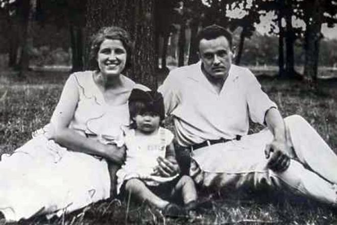 Сергей Королев с женой и дочерью