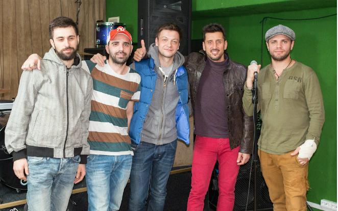 В группу влился Арсен Бегляров (второй слева)
