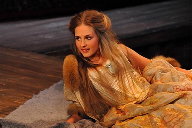 Лидия Милюзина в театре