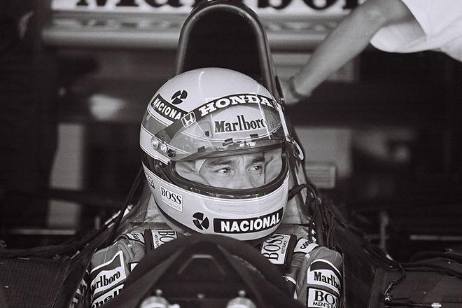 Айртон Сенна в шлеме