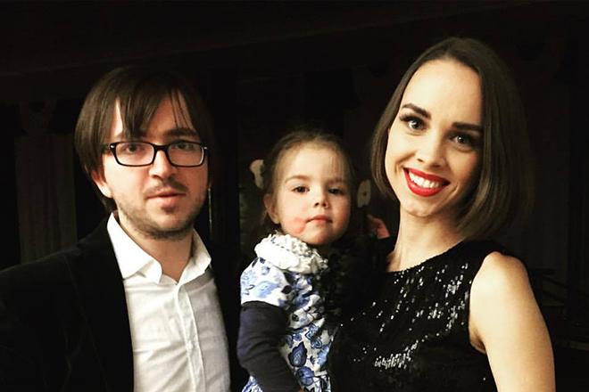 Женя Отрадная с семьей