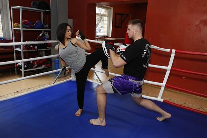 Дильбар Файзиева занимается боксом