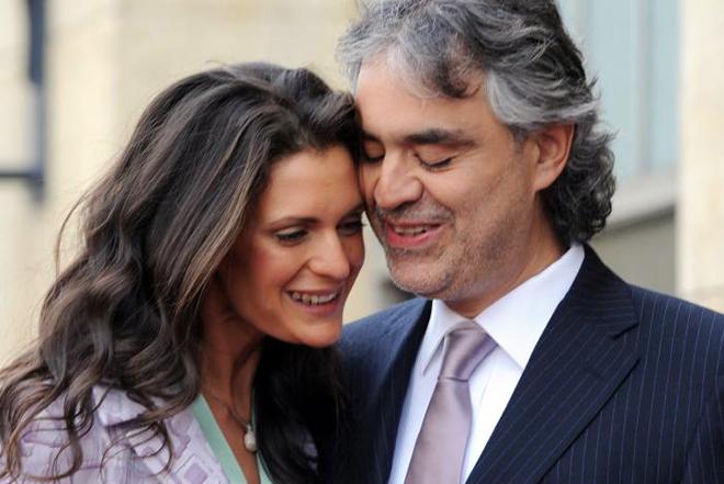 Андреа Бочелли с женой Вероникой