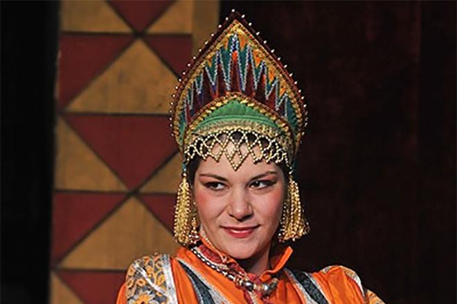 Ася Дубровская в театре