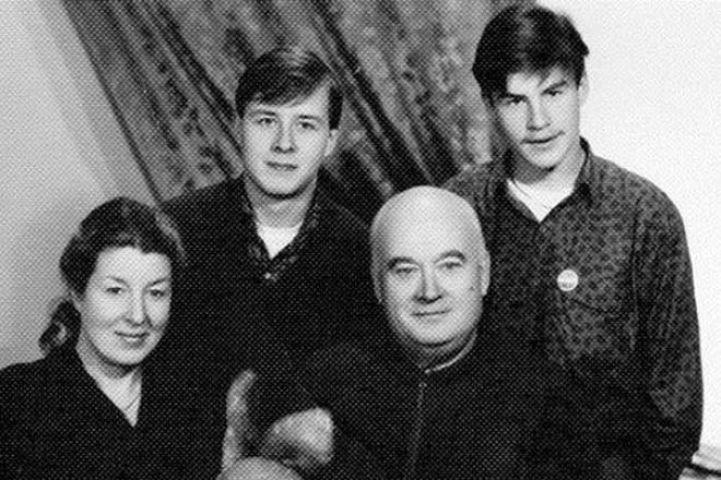 Евгений Моргунов с семьей