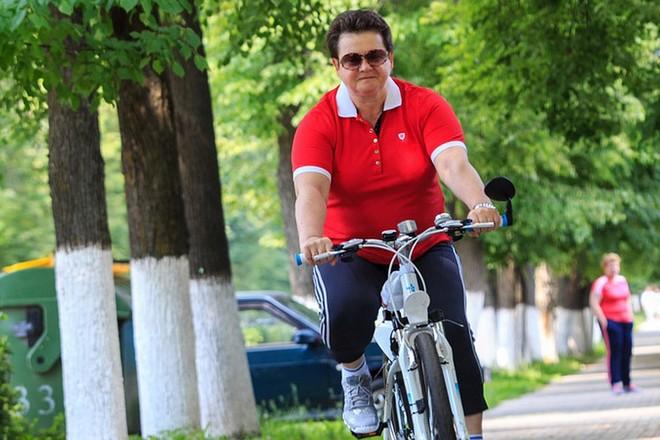 Светлана Орлова на велосипеде