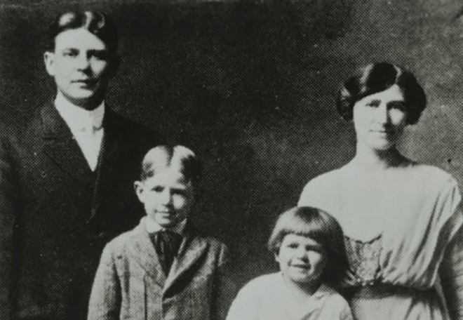 Рональд Рейган с семьей