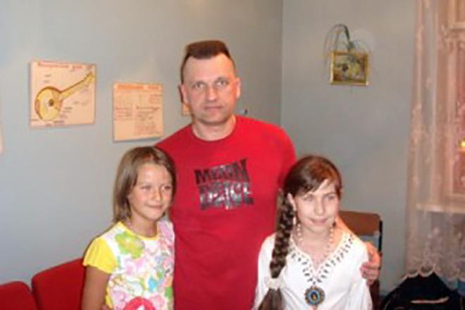 Сергей Лемох с детьми