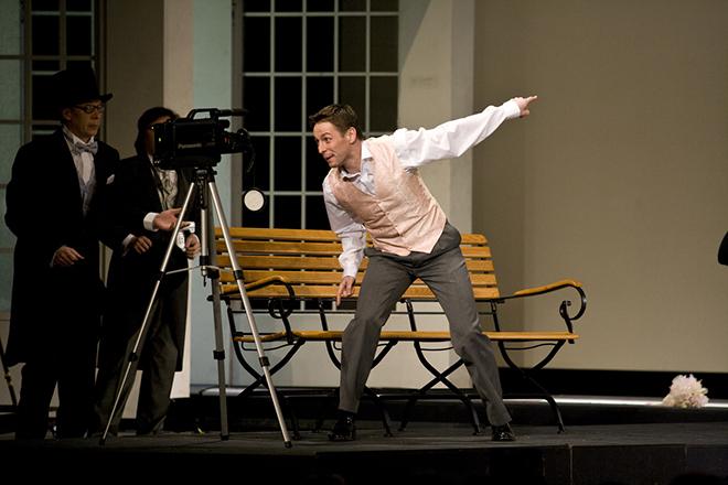 Владимир Жеребцов на сцене театра