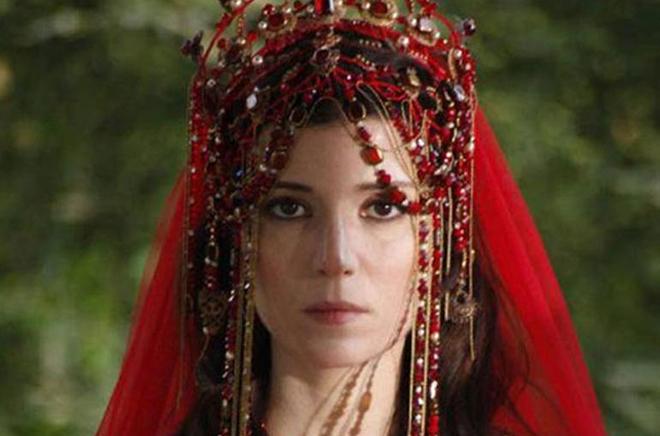 Сельма Эргеч в сериале «Великолепный век»