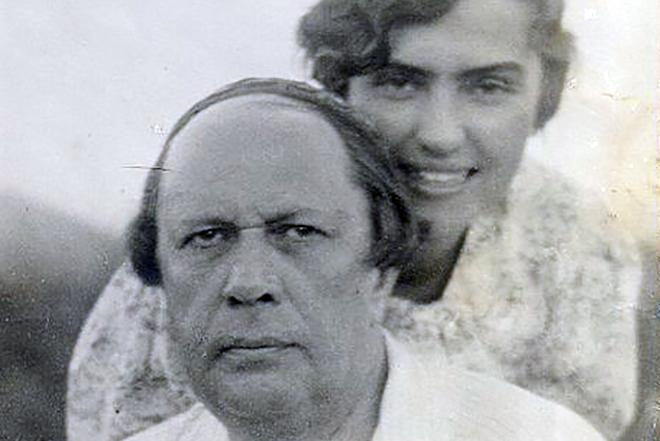 Алексей Толстой с женой Людмилой Крестинской-Баршевой