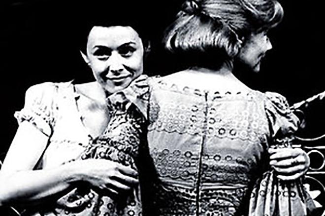 Елена Прудникова в спектакле «Три сестры»