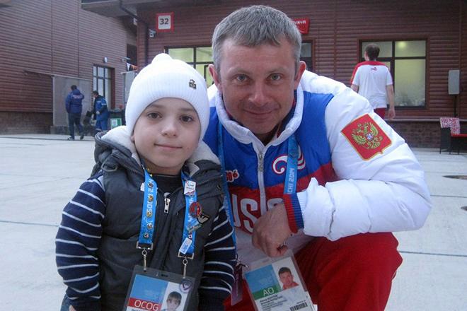 Данил Плужников встречал паралимпийцев в Сочи в 2014 году