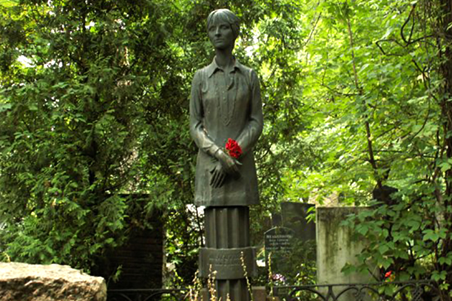 Елена Образцова за фортепиано