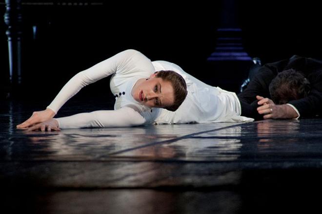Ольга Лерман в спектакле «Анна Каренина»