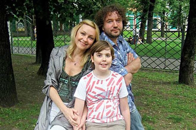 Ксения Энтелис и Александр Виста с сыном