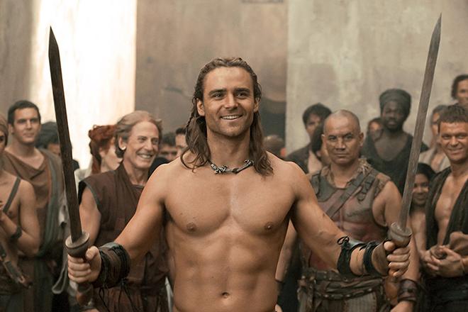 Дастин Клер в сериале «Спартак: Война проклятых»