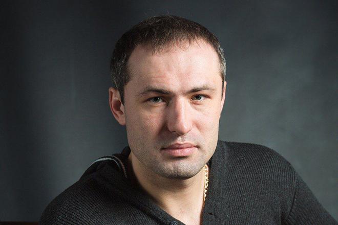 Певец Михаил Борисов