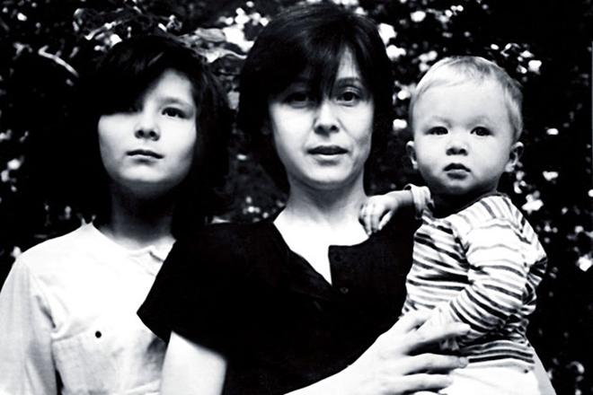 Елена Прудникова с детьми