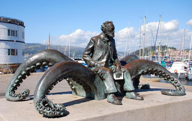 Памятник Жюлю Верну в Виго, Испания