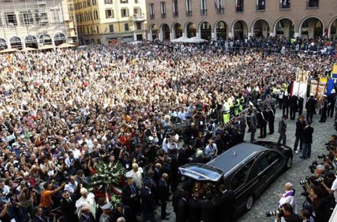 Похороны Лучано Паваротти
