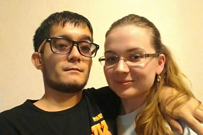 Александр Кинжинов и его девушка