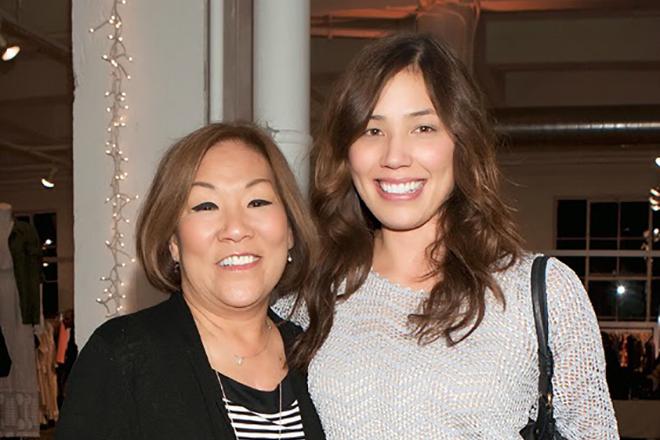 Микаэла Конлин с мамой