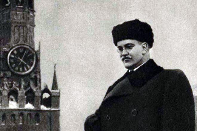 Вячеслав Молотов на Красной площади