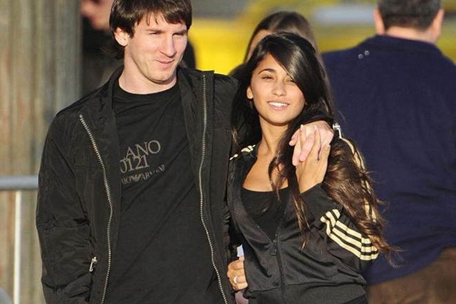 Антонелла Рокуццо и Лионель Месси в 2009 году
