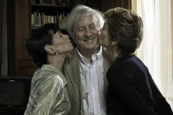 Джеральдина Чаплин (слева) в фильме «А давайте жить все вместе?»