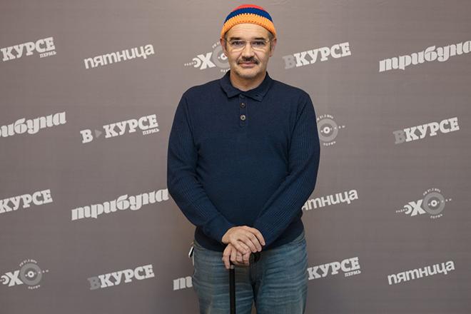 В последние года Антон Носик ходил с палочкой