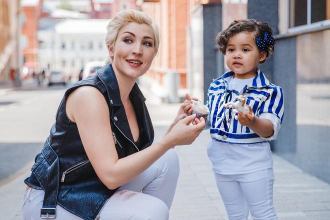 Саша и ее дочь Ума