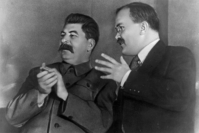 Вячеслав Молотов и Иосиф Сталин