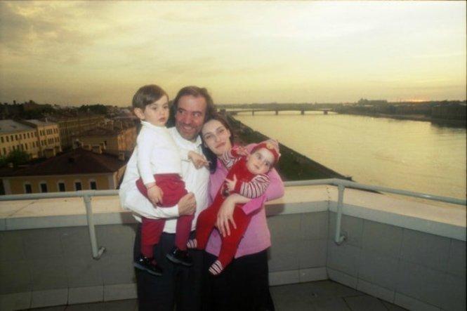 Валерий Гергиев с женой и детьми