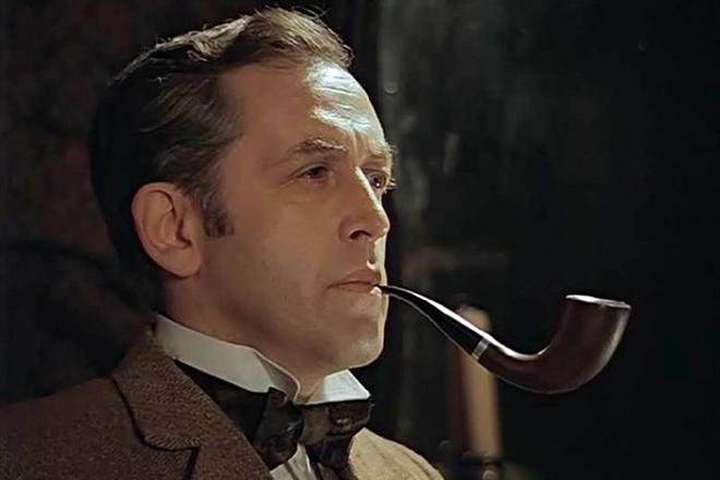 Василий Ливанов в образе Шерлока Холмса