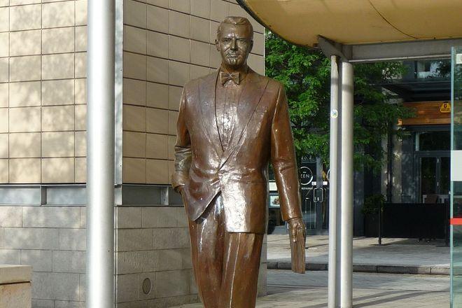 Статуя Кэри Гранта