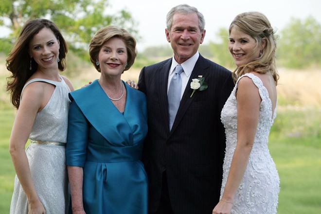 Джордж Буш с семьей