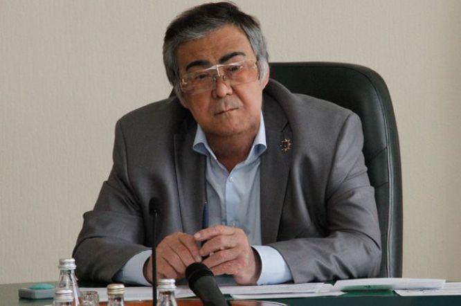 Политик Аман Тулеев
