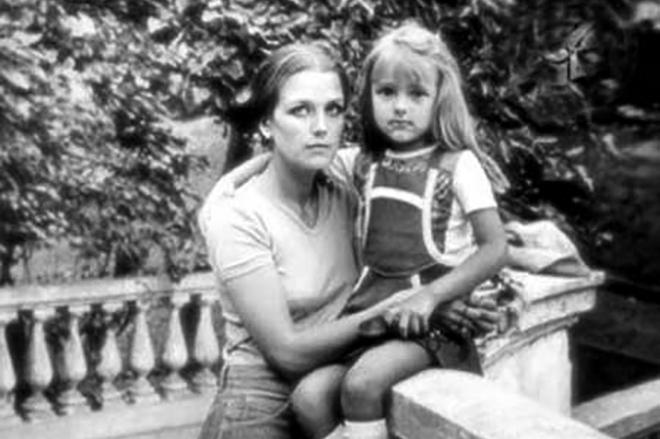 Первая жена Бойко Гюрова Ирина Алферова с дочерью Ксенией