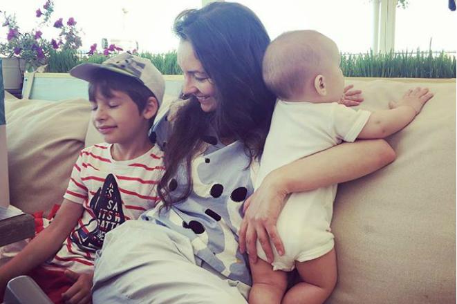 Ольга Павловец с детьми