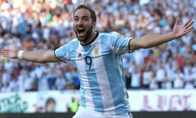 Гонсало Игуаин в составе сборной Аргентины