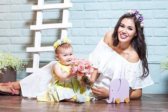 Назима Джанибекова с дочерью