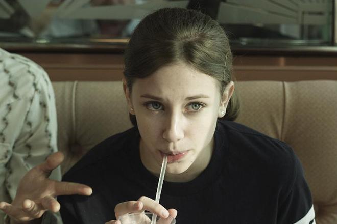 Лили Рейнхарт в фильме «Не махал, а тонул»