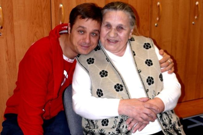 Алексей Макаров с бабушкой