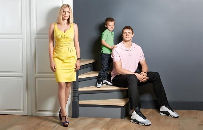 Тимофей Мозгов с женой и сыном