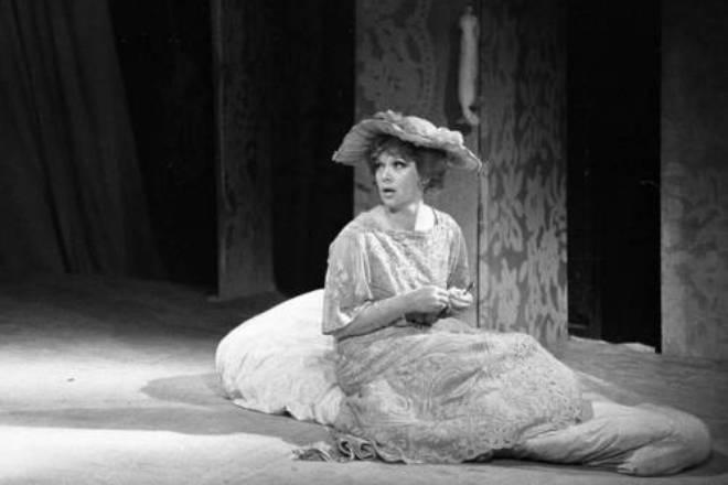 Алиса Фрейндлих в театре