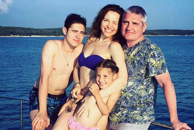 Владимир Абашкин с семьей