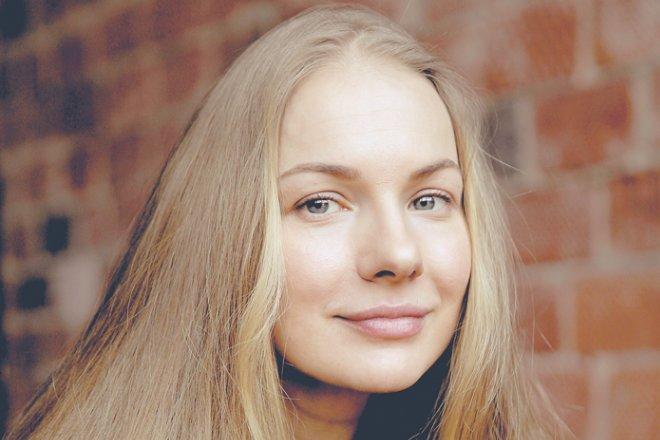 Актриса Елена Аросьева